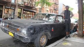 Este cara dirige seu Dodge Dart pelas ruas de Manhattan todos os dias há 40 anos