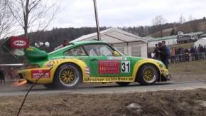 Você já ouviu um Porsche 911 turbo roncar desse jeito?