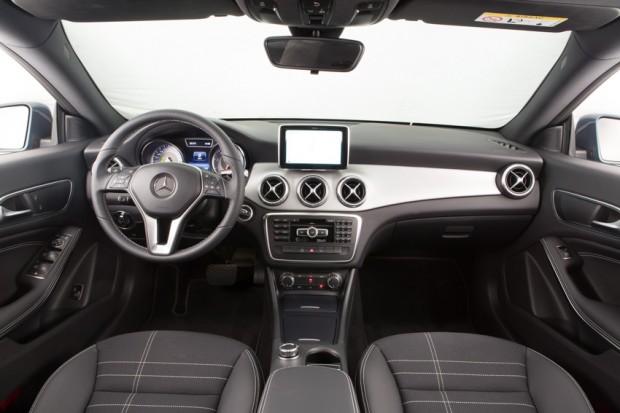 Mercedes-CLA-Brasil-003