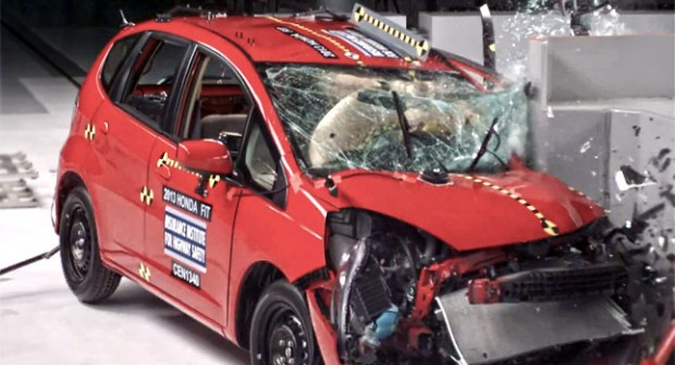 Minicar-Crash-Test-0