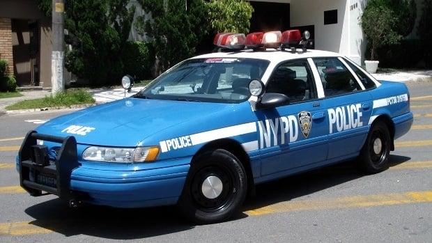 WTF? Uma viatura da polícia de Nova York nas ruas de São Paulo?