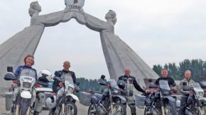 Uma aventura de moto através da Coreia do Norte