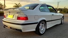 Este é o BMW M3 E36 europeu que você estava procurando