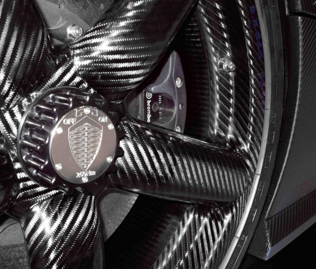 2013-Koenigsegg-Agera-R-carbon-wheels