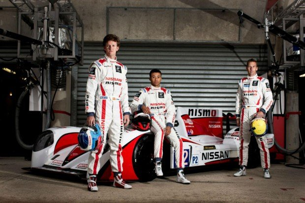 Nissan-Le-Mans-2013-Team-carwitter