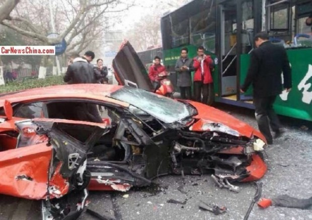 crash-lamborghini-china-01-660x467
