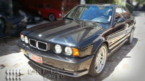 """Um BMW M5 E34 com 8.000 km é o """"seminovo"""" mais incrível de todos os tempos —e está à venda"""