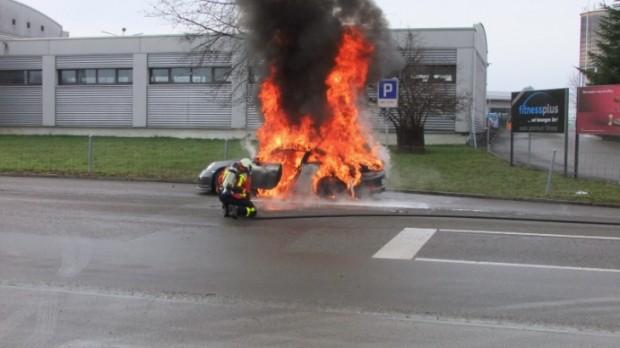 porsche-911-gt3-991-fire-epidemic-coming-76971-7