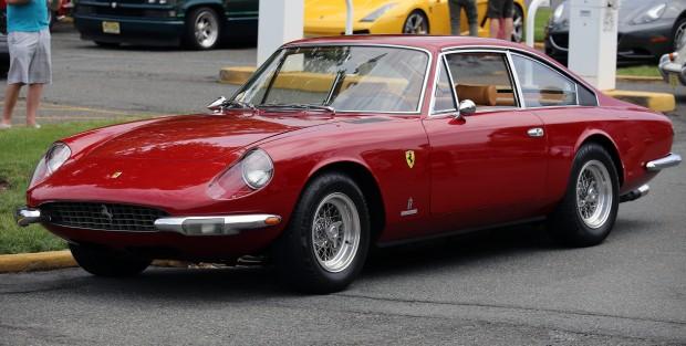 1968_Ferrari_365_GT_2+2_fL