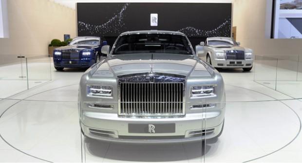 Rolls-Royce-Phantom-0