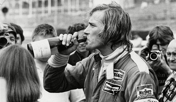 james-hunt-hidratando-598x349