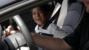 O sonho deste garotinho era andar de Lamborghini — e adivinhe o que ele ganhou de aniversário