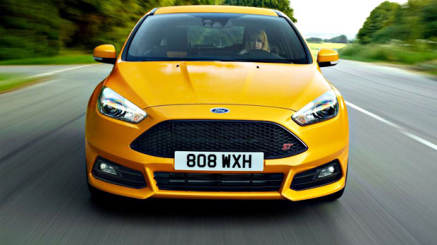 _0008_Ford-Focus_ST_2015_800x600_wallpaper_09