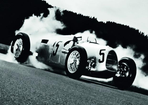 Bernd Rosemeyer at the Grand Prix in Donington, 1937
