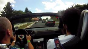 Veja este maníaco em um Honda S2000 ultrapassar tudo e a todos em Nürburgring Nordschleife
