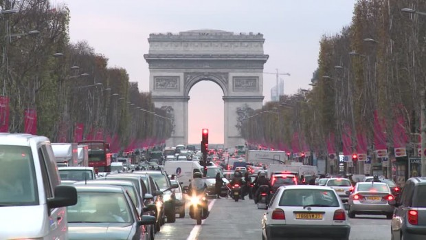 817063509-champs-elysees-arc-de-triomfe-traffic-jam-avenue-boulevard