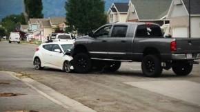 Jovem de 14 anos apronta com Veloster roubado em um parque… até topar com uma Dodge Ram