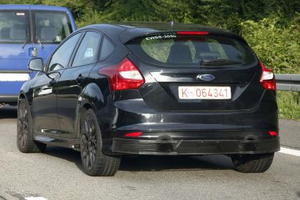 ford-focus-rs-mule-002