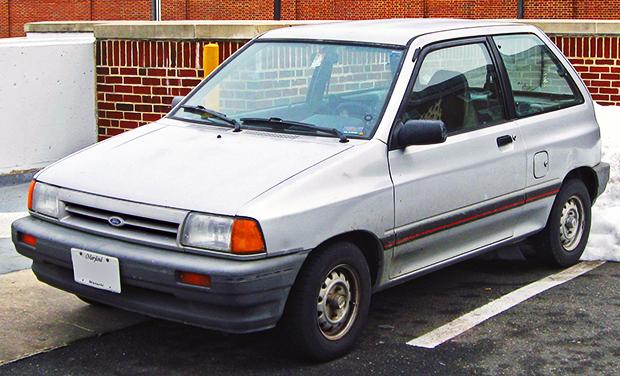 1988-1989_Ford_Festiva_--_02-22-2010