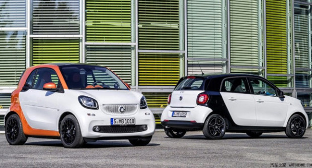 2015-Smart-ForTwo-ForFour-000