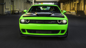 Dodge Challenger SRT Hellcat testado: como anda o muscle car mais potente do planeta?