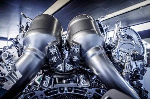 MercedesAMG-V8-M178-004
