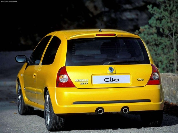 Renault-Clio_Renault_Sport_2.0_16V_2004_1600x1200_wallpaper_13