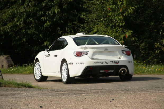 Toyota-GT86-CS-R3-3