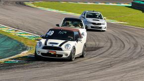 Track Day Crazy for Auto: confira tudo o que rolou na última edição do evento em Interlagos!