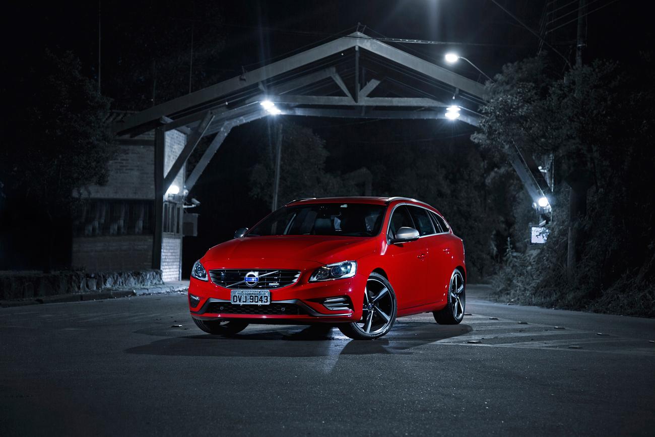 Volvo v60 t6 r design o prazer perdido das peruas esportivas flatout volvo v60 04 fandeluxe Image collections