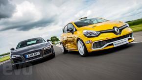 Qual deles é mais rápido: um supercarro ou um hot hatch?