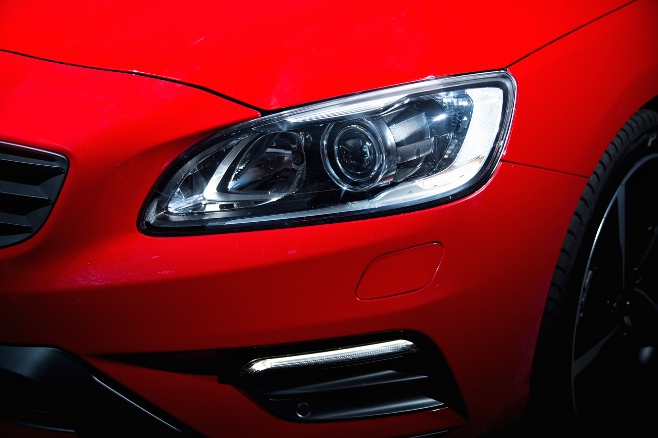 Volvo v60 t6 r design o prazer perdido das peruas esportivas flatout a r design como faz supor o nome tem mais pimenta no tempero motor recalibrado para choques agressivos difusores saias rodas esportivas com pneus fandeluxe Image collections