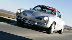 Um motor de Porsche 911 era tudo o que faltava para o Karmann Ghia