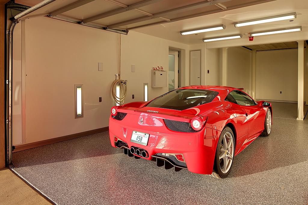 Esta garagem com quartos salas e cozinha a casa dos for Garage paris 15 auto