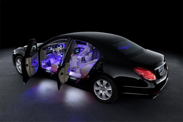 MercedesS600Guard_0006_14C683_028.jpg