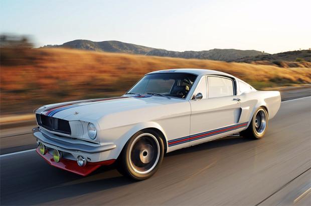 Mustangini-_0000_01-pure-vision-martini-racing-mustang.jpg