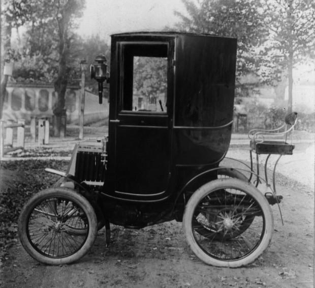 Renault-Voiturette-Type-B-from-1899