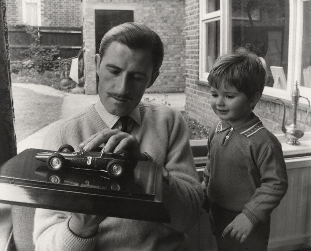 NPG x76129,Graham Hill; Damon Graham Devereux Hill,by Lewis Morley