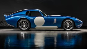 Renovo Coupe: um Shelby Cobra Daytona de 500 cv e 138 mkgf é nosso tipo de carro elétrico