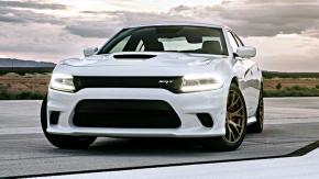 Com 717 cv, o Dodge Charger SRT Hellcat é o sedã de fábrica mais potente do mundo