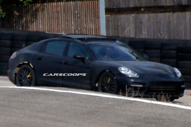 2016-Porsche-Panamera-19