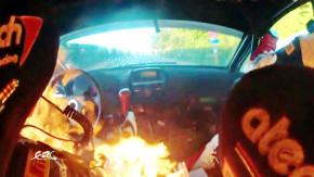 Este piloto terminou um rali com o carro em chamas – e poderia ter morrido