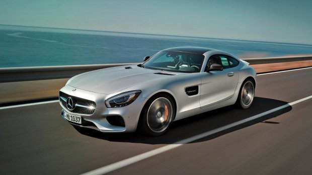 mercedes-amg-gt-front-three-quarter-in-motion-02