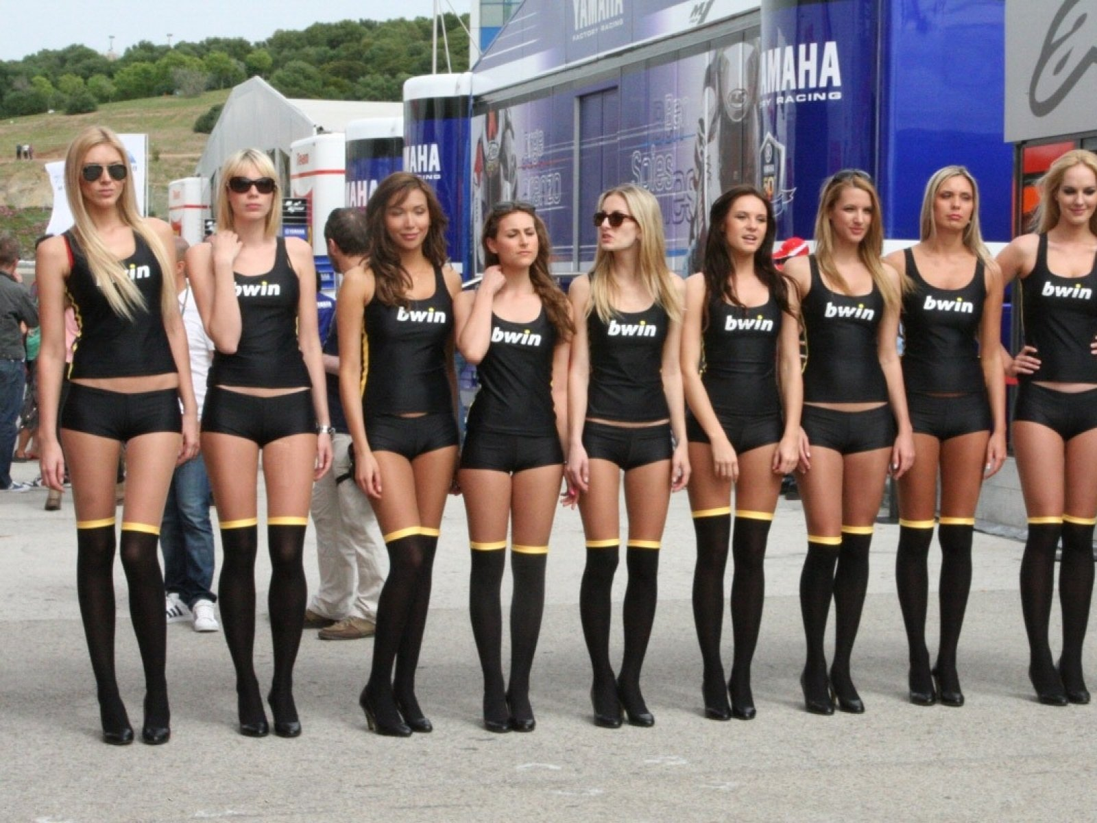 grid girls hd wallpapers - photo #5
