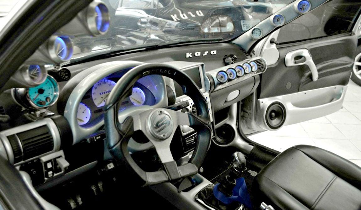b5bffcf9b53 Top Xuning  os piores acessórios e modificações que alguém pode instalar em  seu carro - FlatOut!