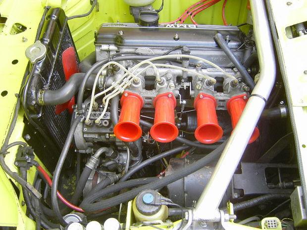 _Alpina_A4_Engine