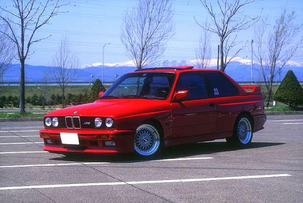 Red_BMW_M3_E30_BBS_RS