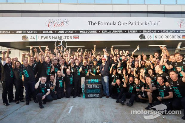 f1-russian-gp-2014-mercedes-amg-f1-celebrate-winning-the-2014-constructors-championship