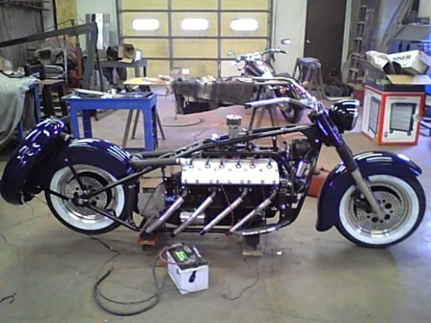 moto-v12 (1)