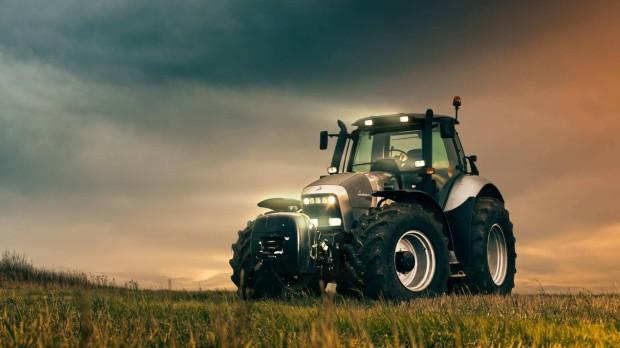 traktors (10)